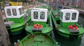 Barche per asporto rifiuti a Venezia